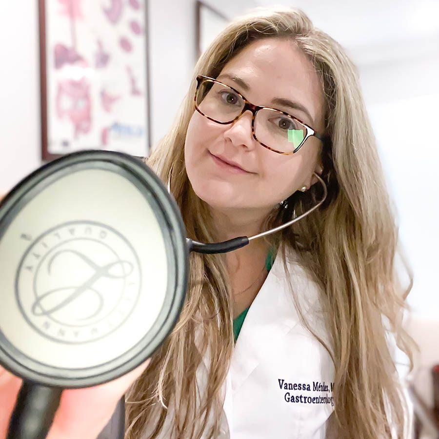 Doctor Méndez | Board Certified Gastroenterologist & Internist Doctor